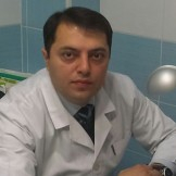 Врач Заманов Эльчин Тахирович